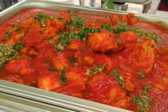 ポルペッティーノのハーブトマト煮込み