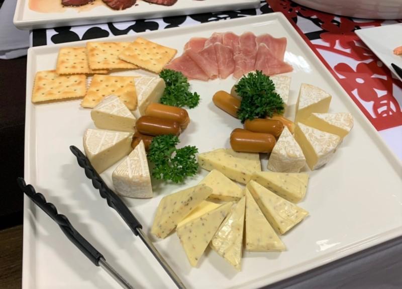 生ハムとチーズの盛合せ プラチナプラン ケータリング 名古屋